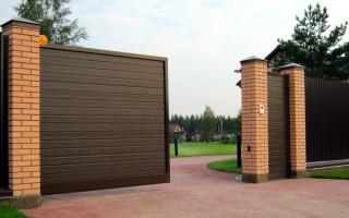 Откатные ворота, как неотъемлемая часть интерьера вашего участка